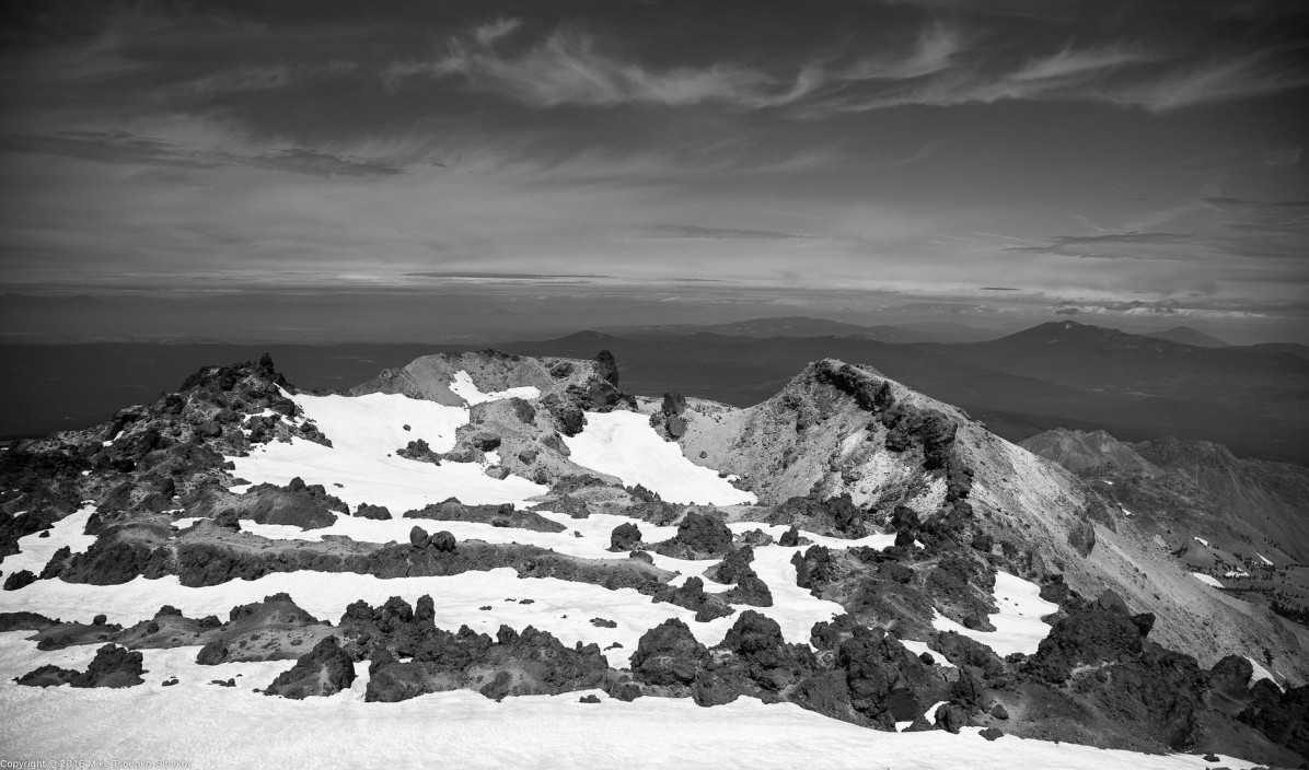 Lassen Peak: volcanic rocks around the summit