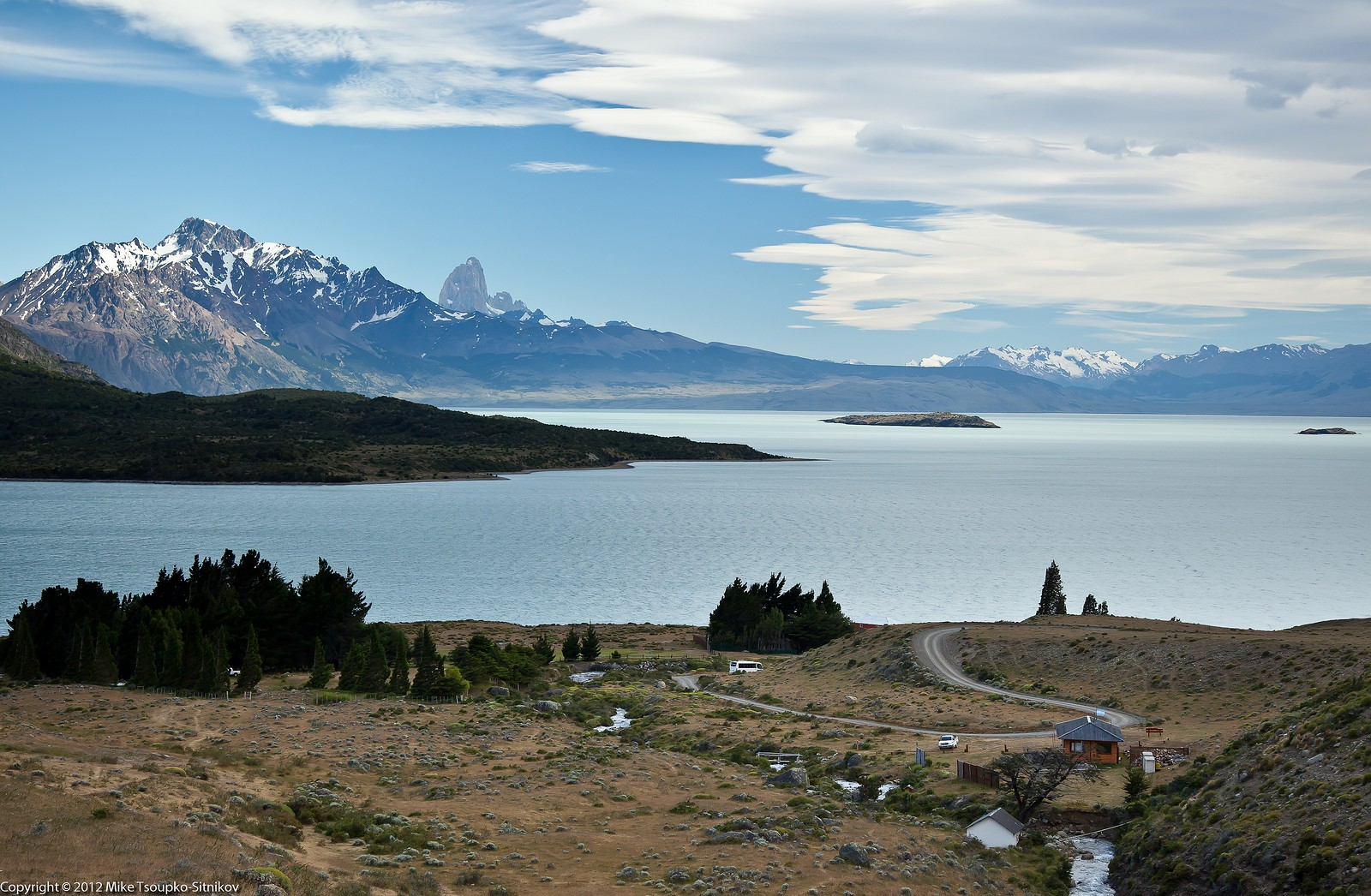 Lake Viedma and Mount Fitz Roy - a view from Laguna Azul trail
