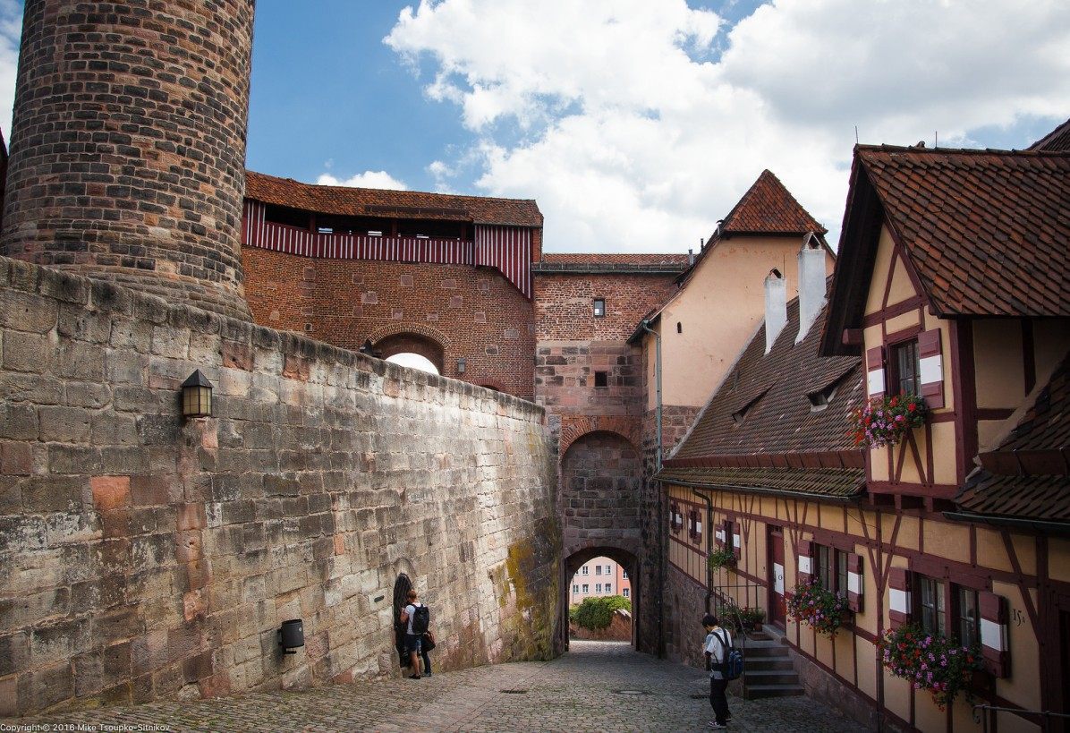 Nuremberg Castle: the walls and the gates