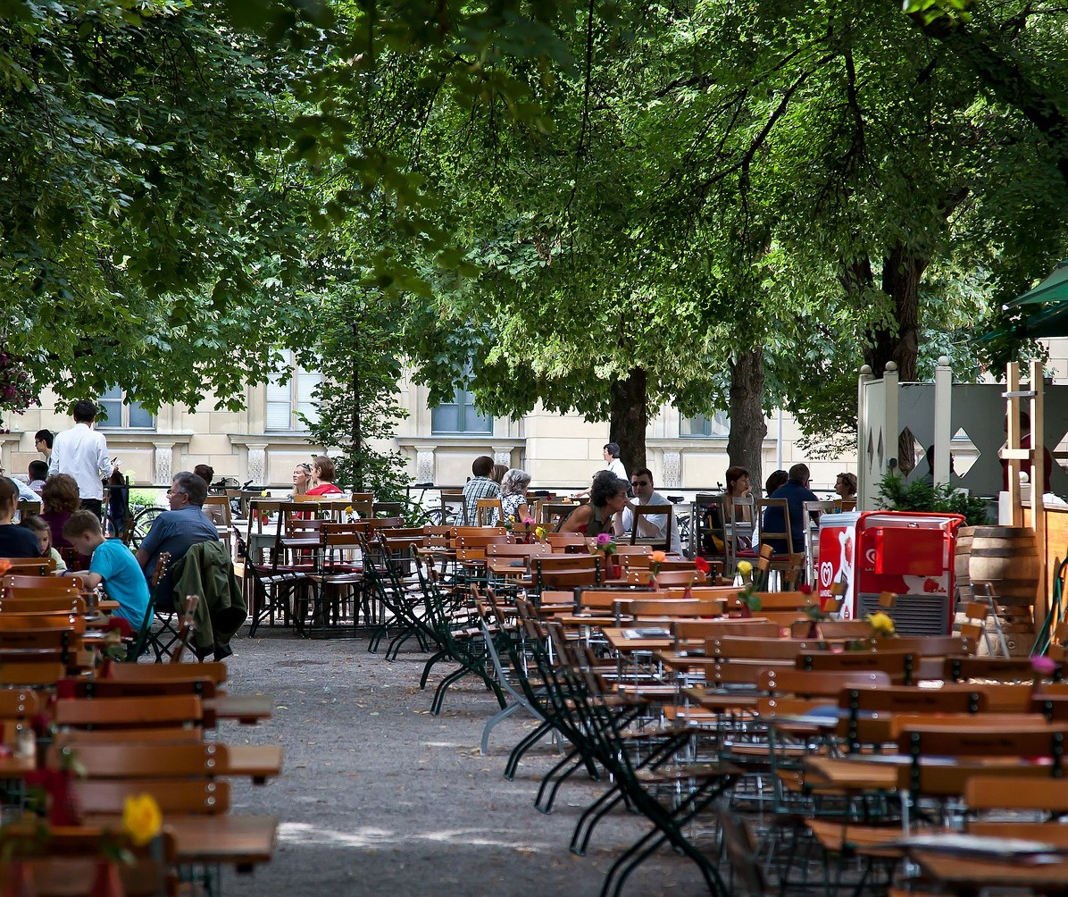 Outdoor cafe/beer hall in the Hofgarten