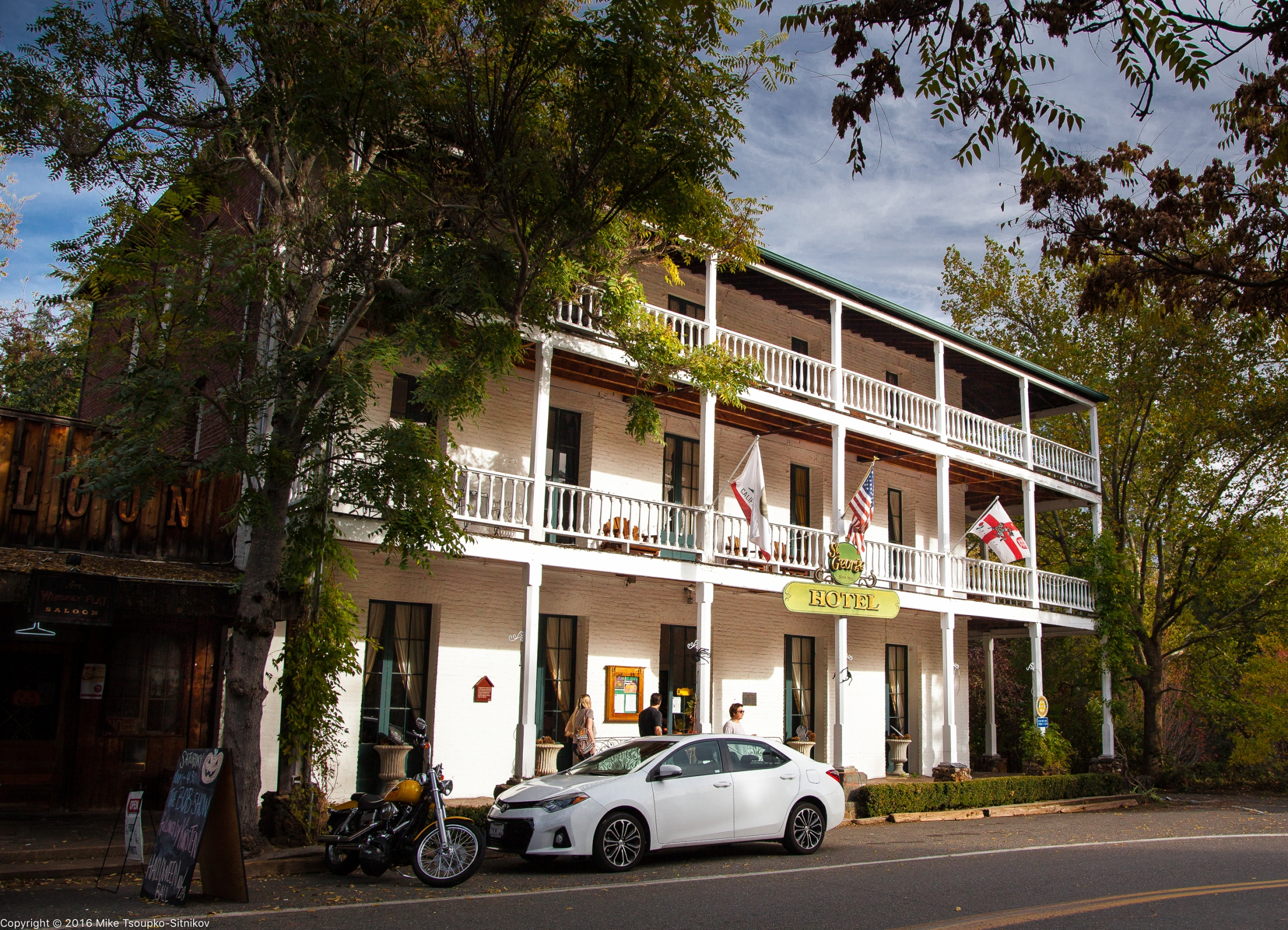 St. George Hotel in Volcano